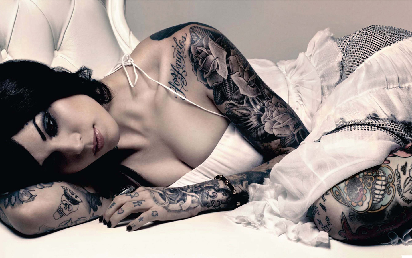 https://lacesandsleeves.files.wordpress.com/2012/09/kat-von-d-wallpaper-hot-and-sexy-picture-tattoo-images-and-pictures-download-3.jpg